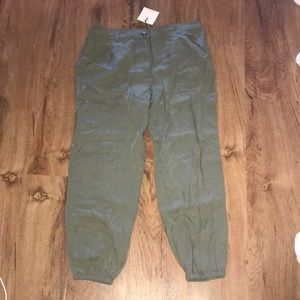 Hive & Honey green jogger dress pants L
